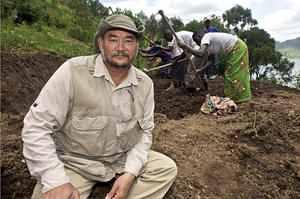 John Dennis Liu inspires people to save Earth's ecosystem 0916-mliu-john_liu_pmad_full_300